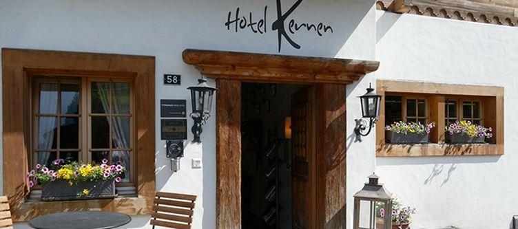 Kernen Hotel Eingang