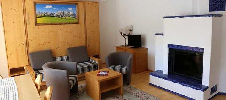 Klausen Lounge Kamin