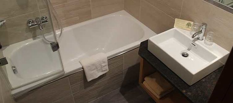 Klausen Zimmer Bad
