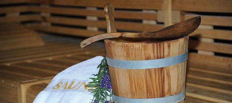 Kreuztanne Wellness Sauna