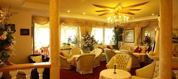 Kristall Lounge