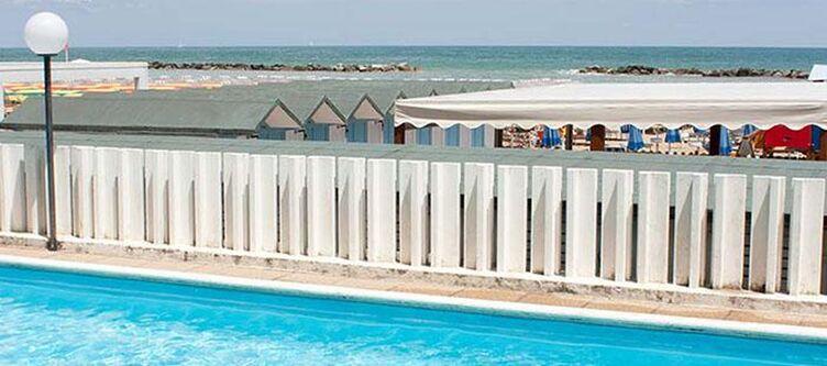 Leonardo Da Vinci Pool Strand