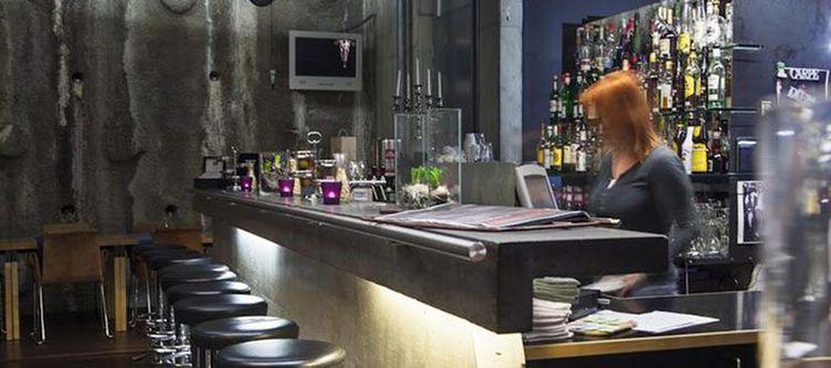 Lux Bar4