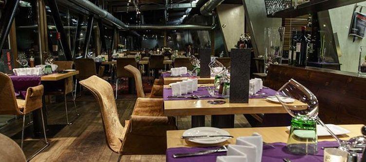 Lux Restaurant4