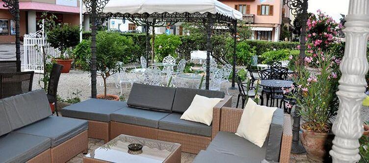 Male Terrasse Lounge