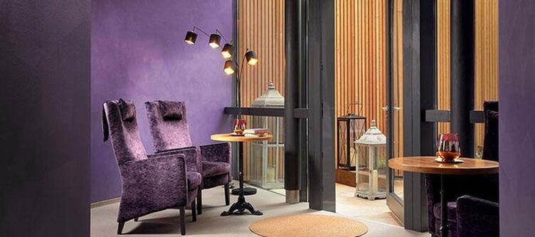 Mandira Lounge2
