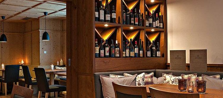 Matillhof Restaurant Wein2
