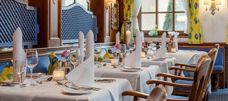 Maximilian Restaurant7