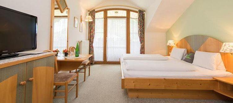 Moelltalerhof Zimmer Bergblick2