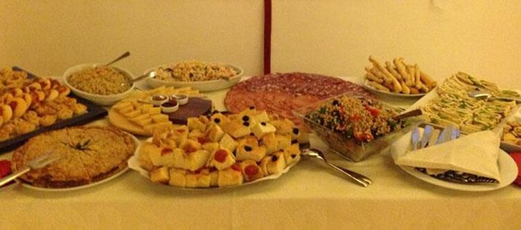 Montenerone Buffet