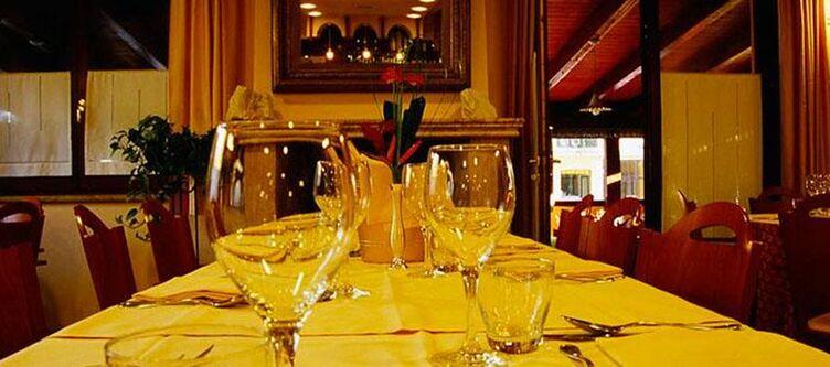 Montenerone Restaurant3