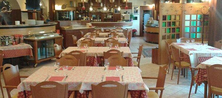 Montenerone Restaurant8
