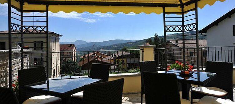 Montepizzo Terrasse2