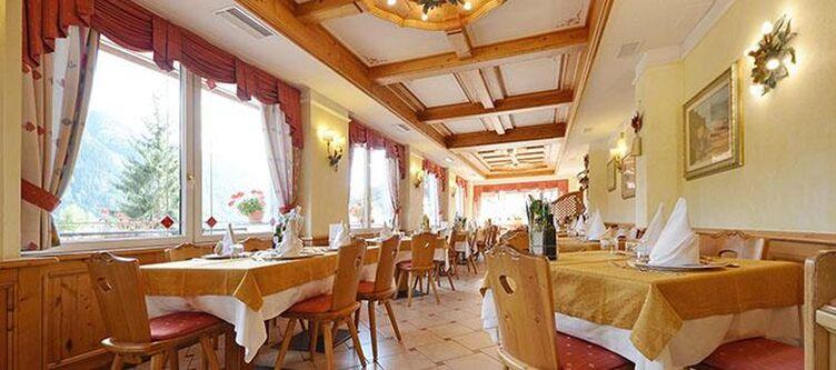 Monza Restaurant2