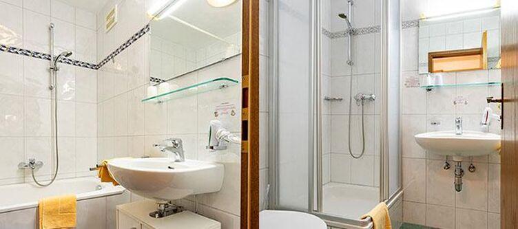 Neunbrunnen Zimmer Bad