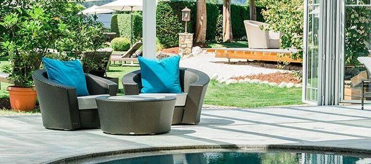 Oberforsthof Pool Lounge2