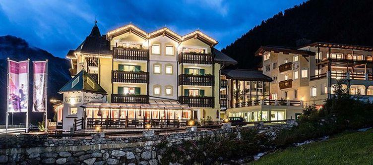 Paradies Hotel Nacht