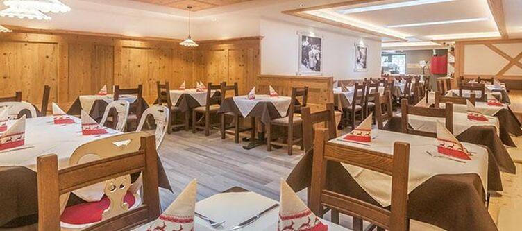 Paradiso Restaurant5