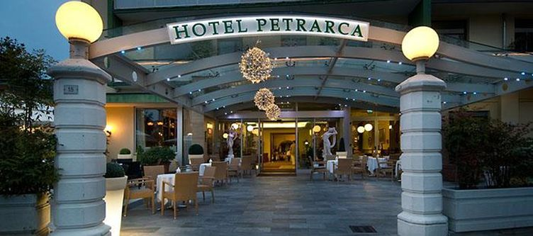 Petrarca Hotel Eingang