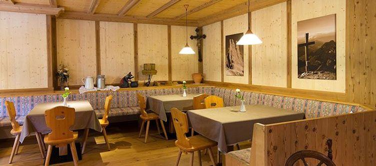 Pine Restaurant2