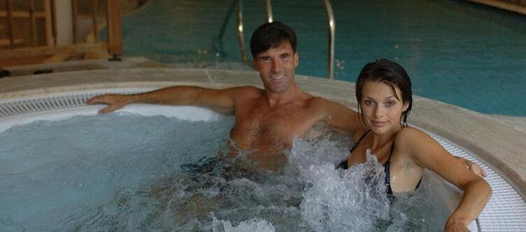 Pineta Wellness Whirlpool Paar