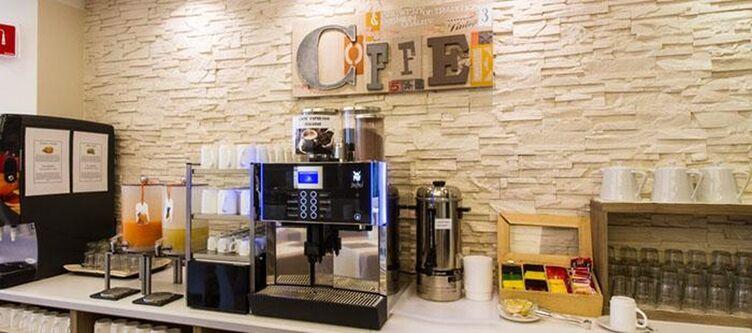 Pini Buffet Cafe