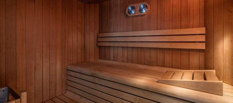 Piramidi Wellness Sauna2
