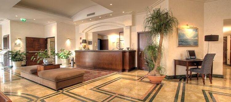 Porto Lobby3