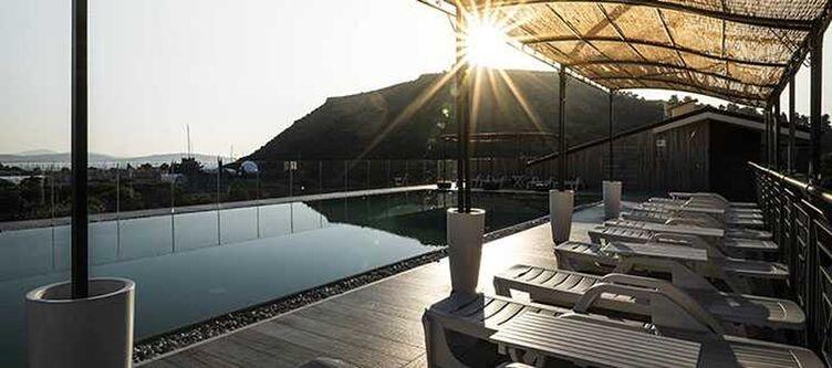Porto Pool Liegen3