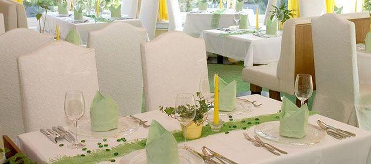 Praegant Restaurant2