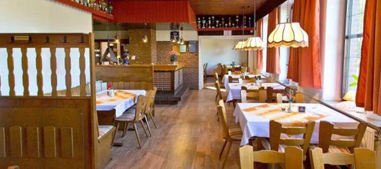 Puck Restaurant7