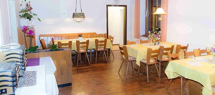 Puck Restaurant9