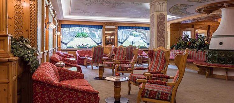 Raphael Lounge2