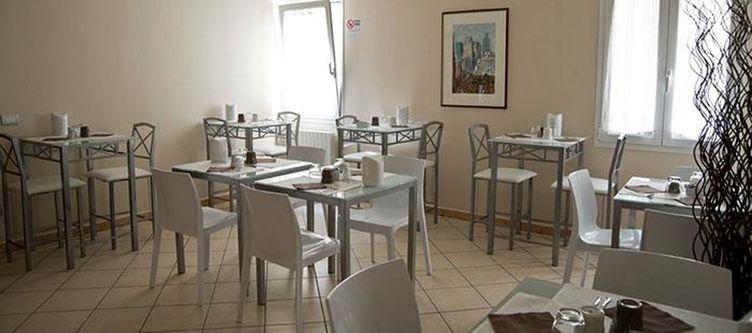 Romano Restaurant2