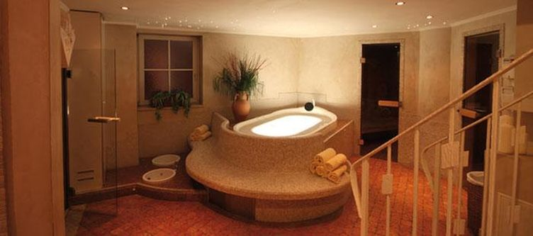 Rose Wellness Whirlpool