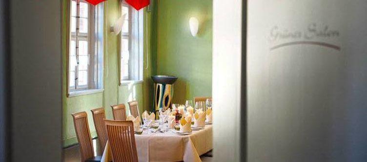 Rotesross Restaurant Gruener Salon
