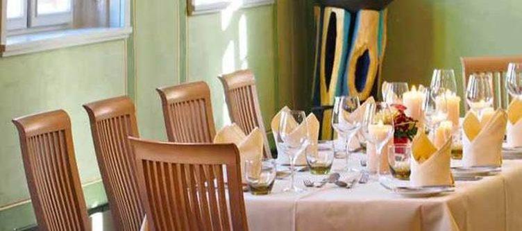 Rotesross Restaurant Gruener Salon2