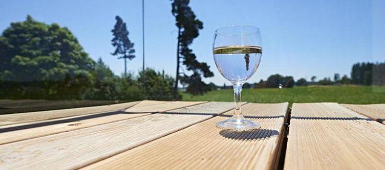 Rothaus Terrasse Wein