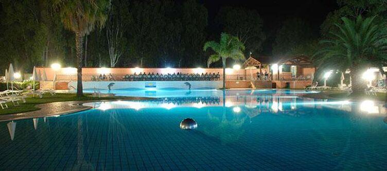 Salice Pool Nacht