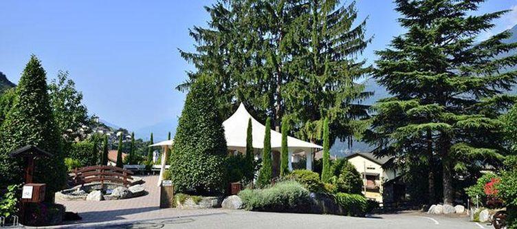 Saligari Hotel Zufahrt