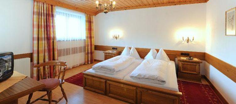 Salzburger Hof Zimmer2