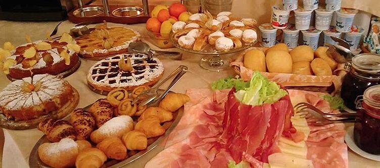 Sanlorenzo Fruehstuecksbuffet
