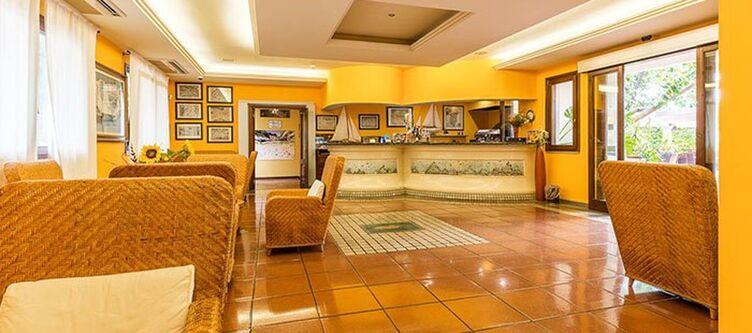 Santamaria Lobby2