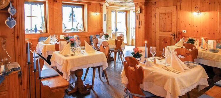 Santes Restaurant3