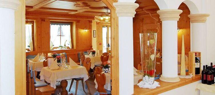 Santes Restaurant4