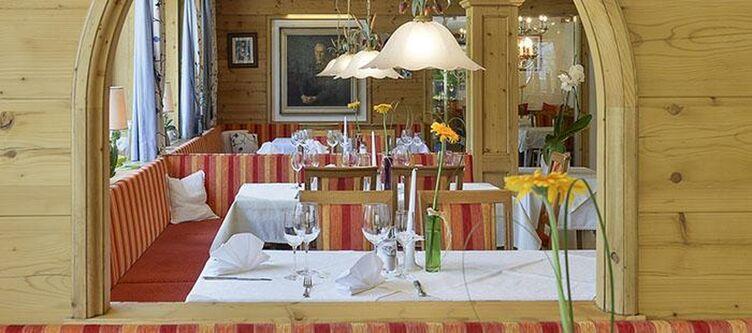 Schiff Restaurant2