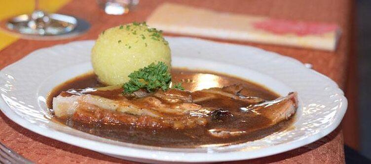 Schlossblick Kulinarik Braten