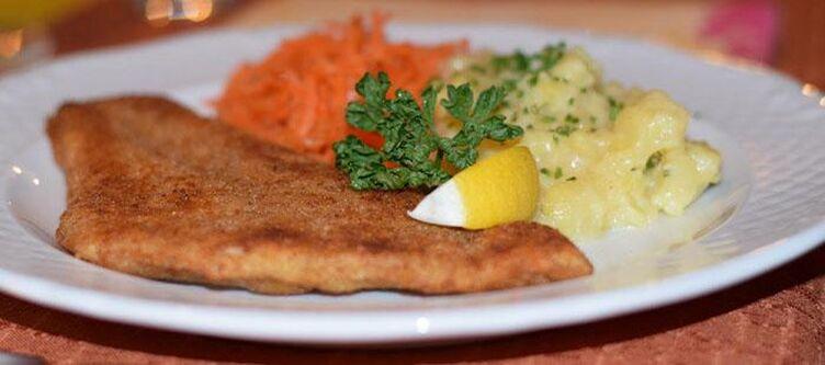 Schlossblick Kulinarik Schnitzel