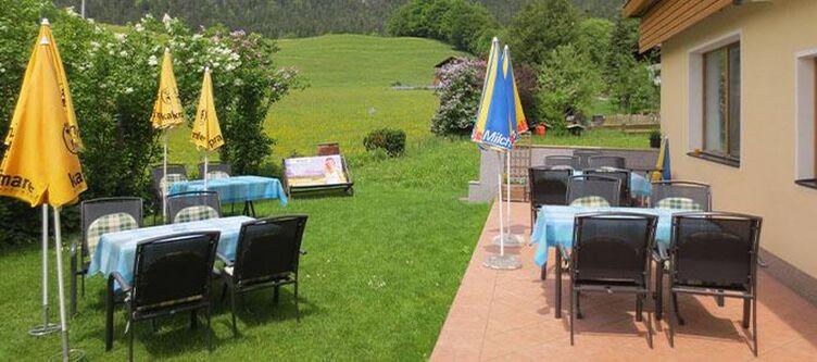 Schlossblick Terrasse2