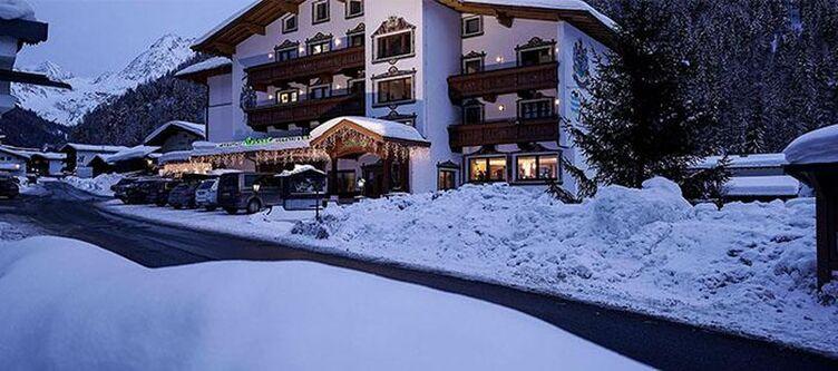 Schoepf Hotel Winter Abend